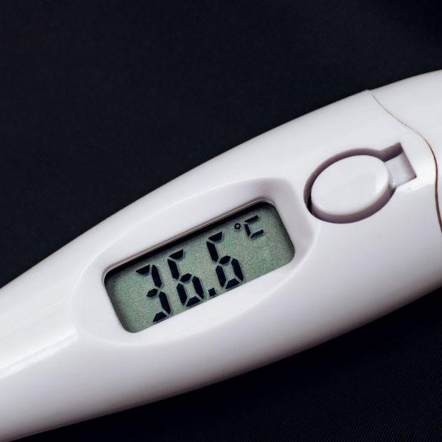 Cuando Se Considera Que Una Persona Tiene Fiebre Silicon de alta temperatura marca. una persona tiene fiebre