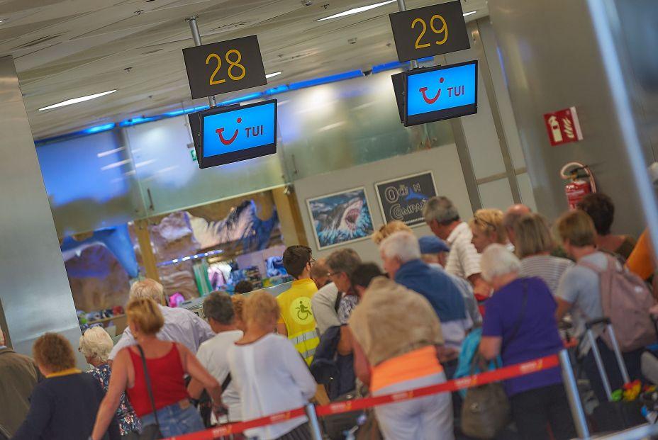 Coronavirus: Incertidumbre ante la suspensión temporal de los viajes del Imserso